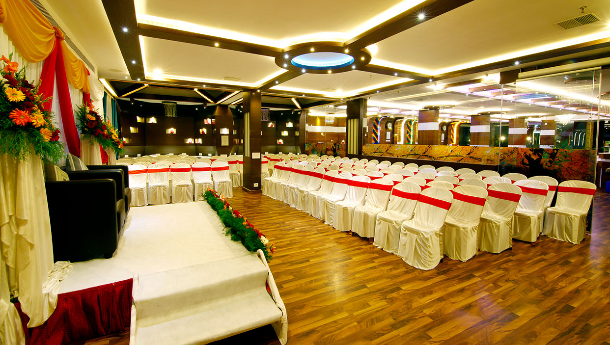 Hall in hotels in kannur