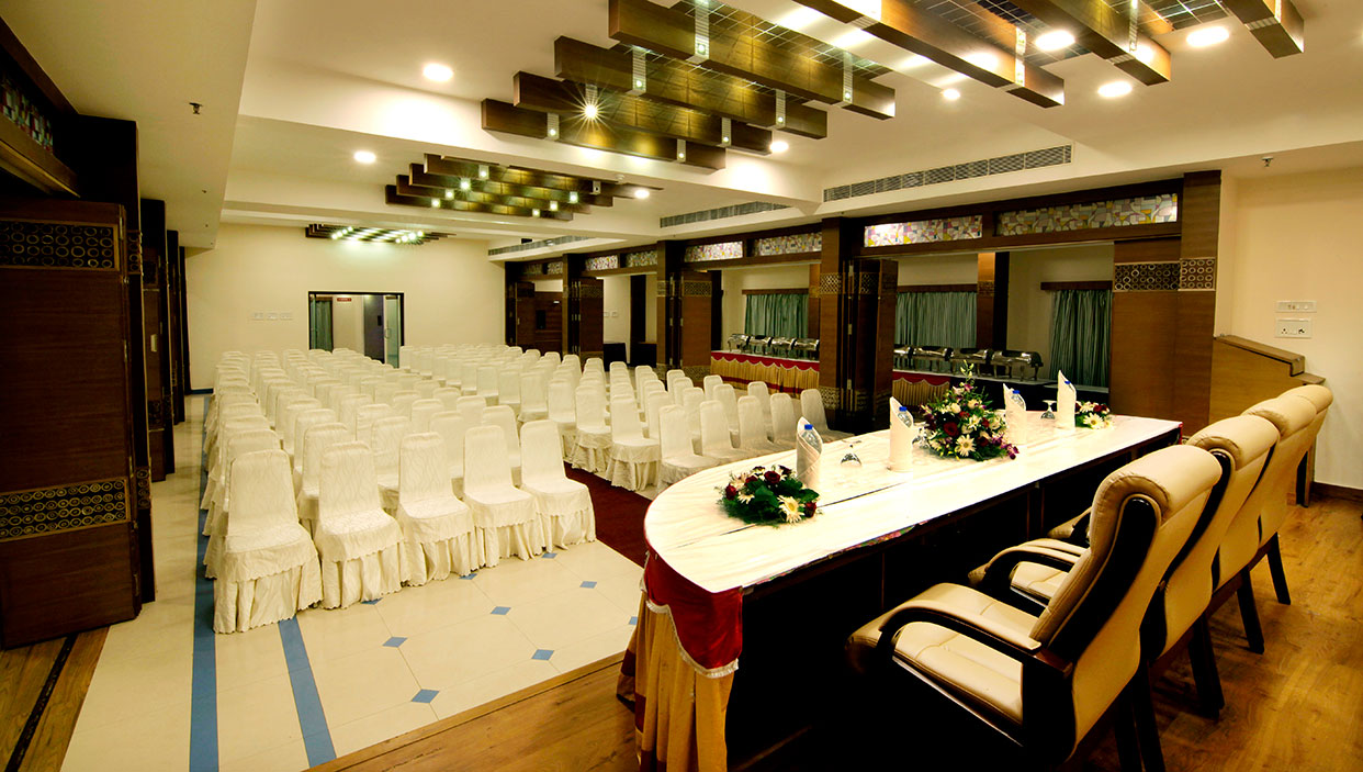 Business hotels in kannur near railway station